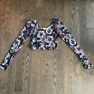 Long sleeve floral crop top